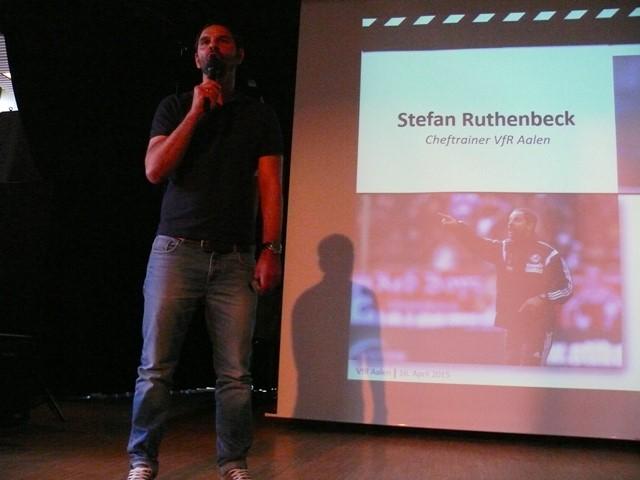 Gespanntes Interesse Fand Der Vortrag Von Stefan Ruthenbeck Chef Trainer Des Zweitligisten VfR Aalen Am 164 2015 In Aula LGH